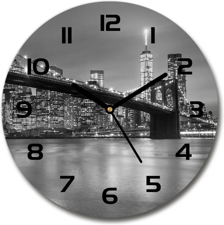 Ceas din sticlă rotund New York, pe timp de noapte