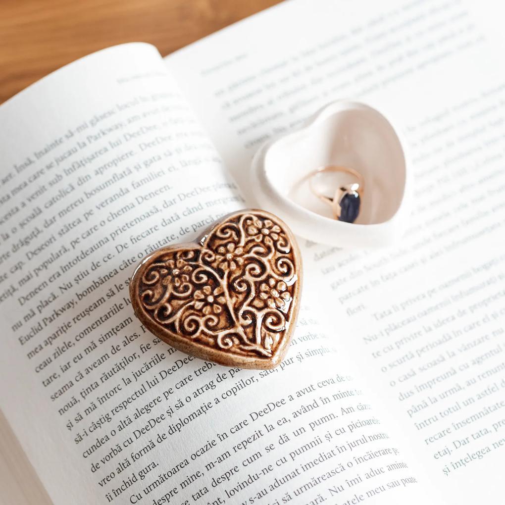 Cutie bijuterii din ceramica, inima maro, detalii florale
