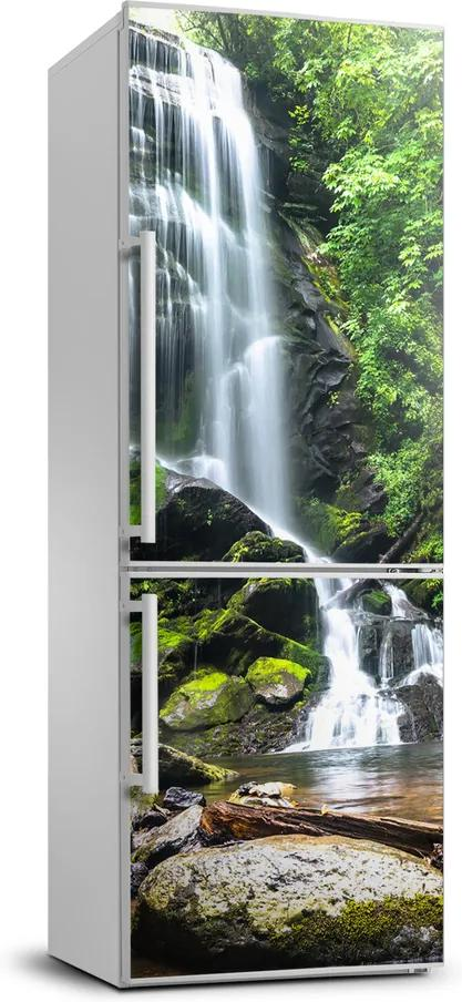 Autocolant pe frigider Cascada din junglă