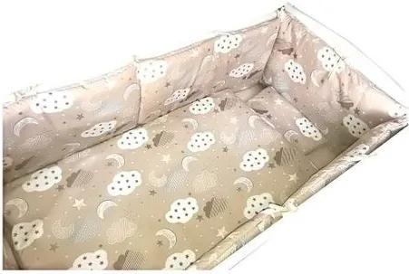 Deseda - Lenjerie de pat bebelusi cu aparatori laterale pufoase  Norisori cu luna pe bej