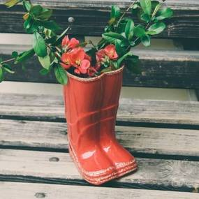 Vaza Red Boots din ceramica 21.5 cm