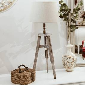 Lampa trepied din lemn alb antic 30x76 cm