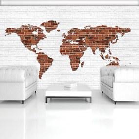 Fototapet - Harta lumii pe perete din cărămizi (254x184 cm), în 8 de alte dimensiuni noi